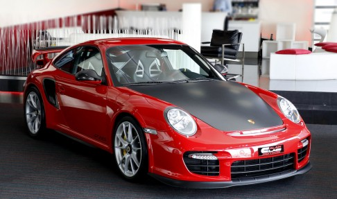 PORSCHE 911 GT2 RS 1 of 500