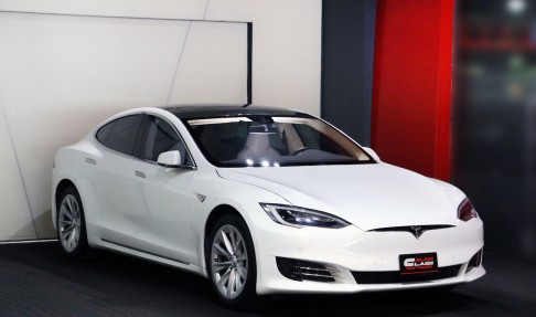 TESLA Model S P75
