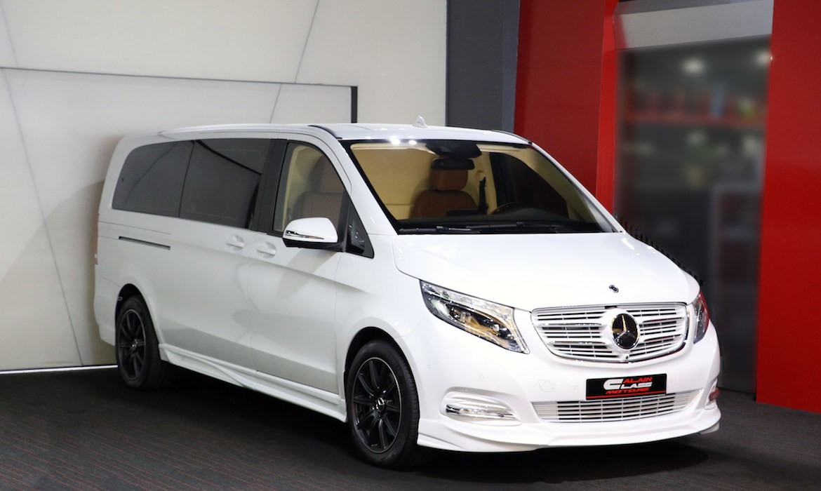 Mercedes-Benz V-Class – Beige/Brown with Wood