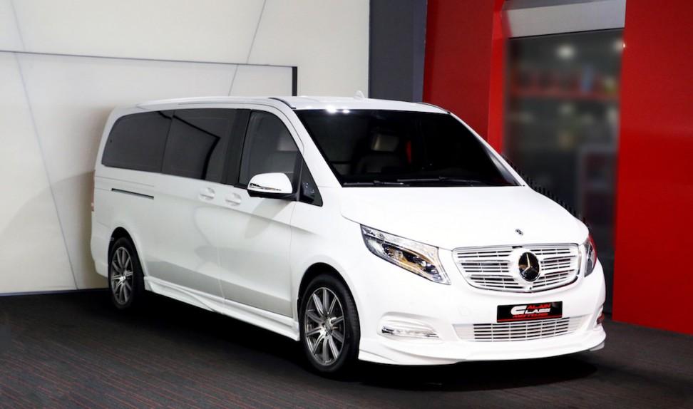 Mercedes-Benz V-Class – Black with Carbon Fiber