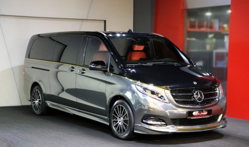 Mercedes-Benz V-Class – Black/Red with Carbon Fiber