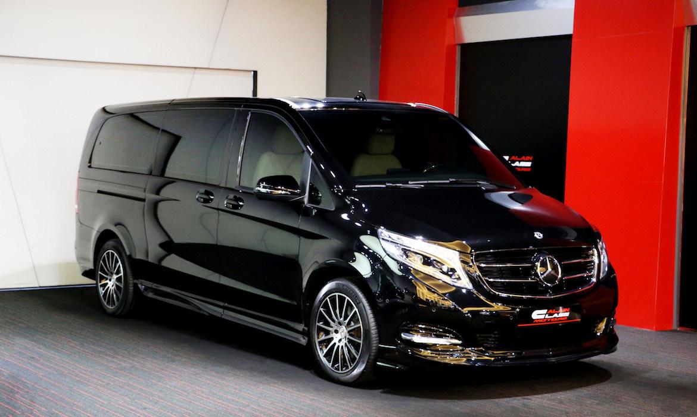 Mercedes-Benz V-Class – Black/Beige with Carbon Fiber