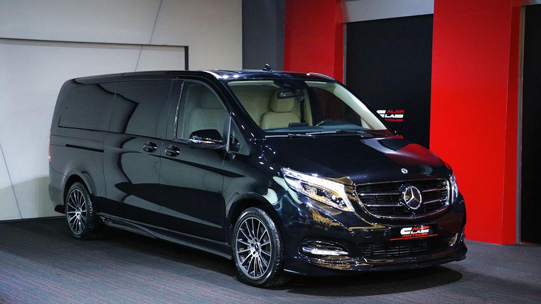 Mercedes-Benz V250 – White/Carbon Fiber