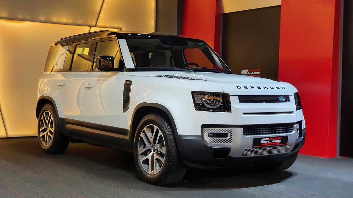 Land Rover Defender Launch Edition