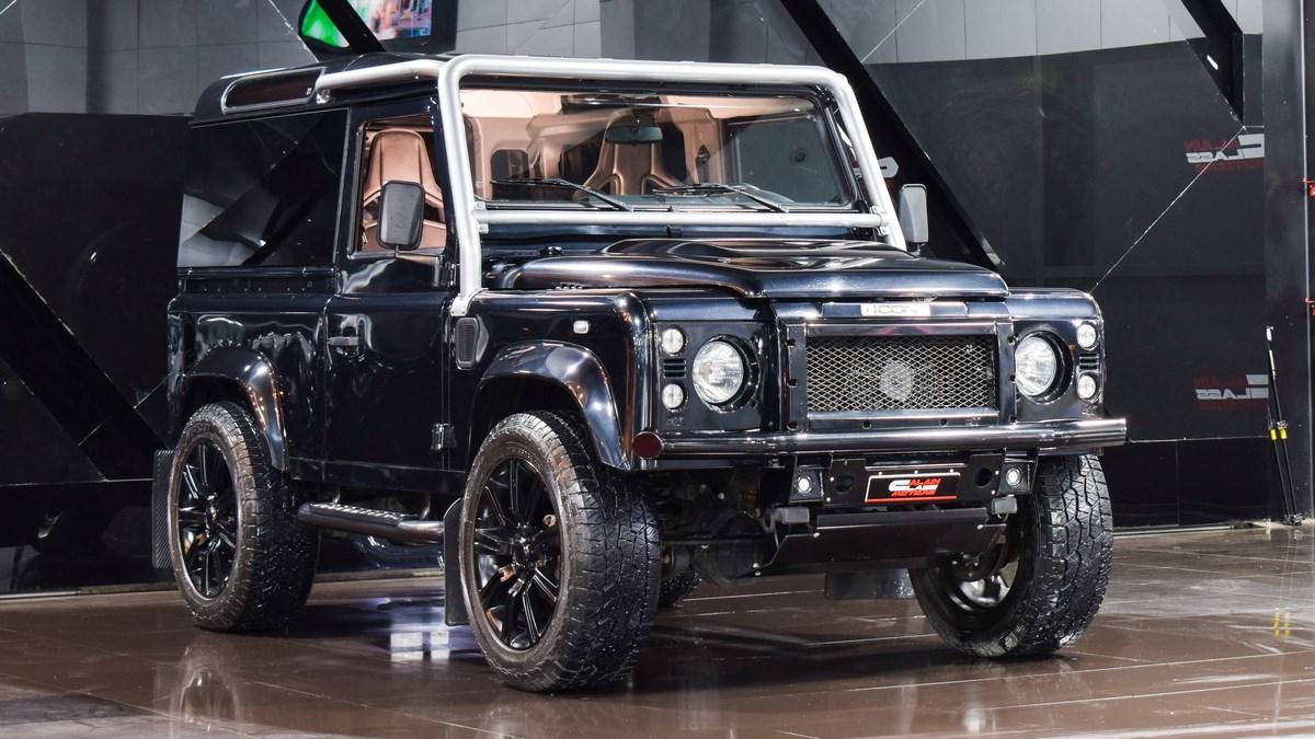 Land Rover Defender (Icon Body Kit)
