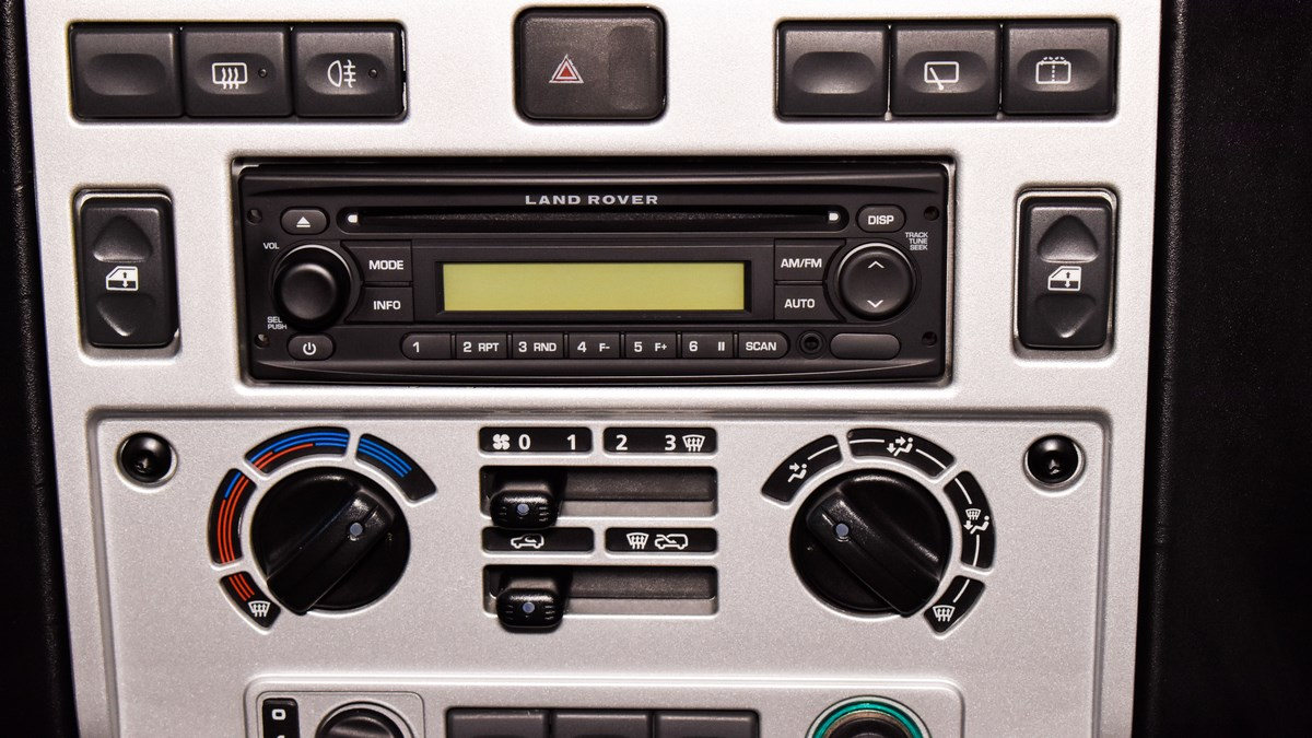 Alain Class Motors | Land Rover Defender (Icon Body Kit)