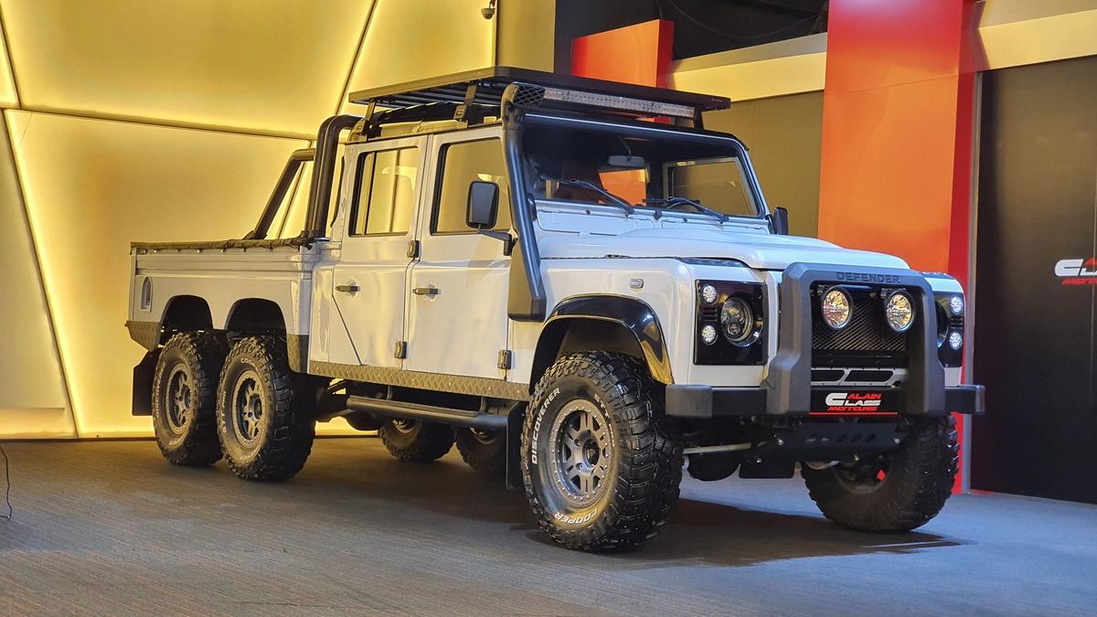 Land Rover Defender 6×6