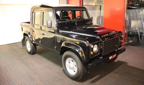 LAND ROVER Defender pick Up